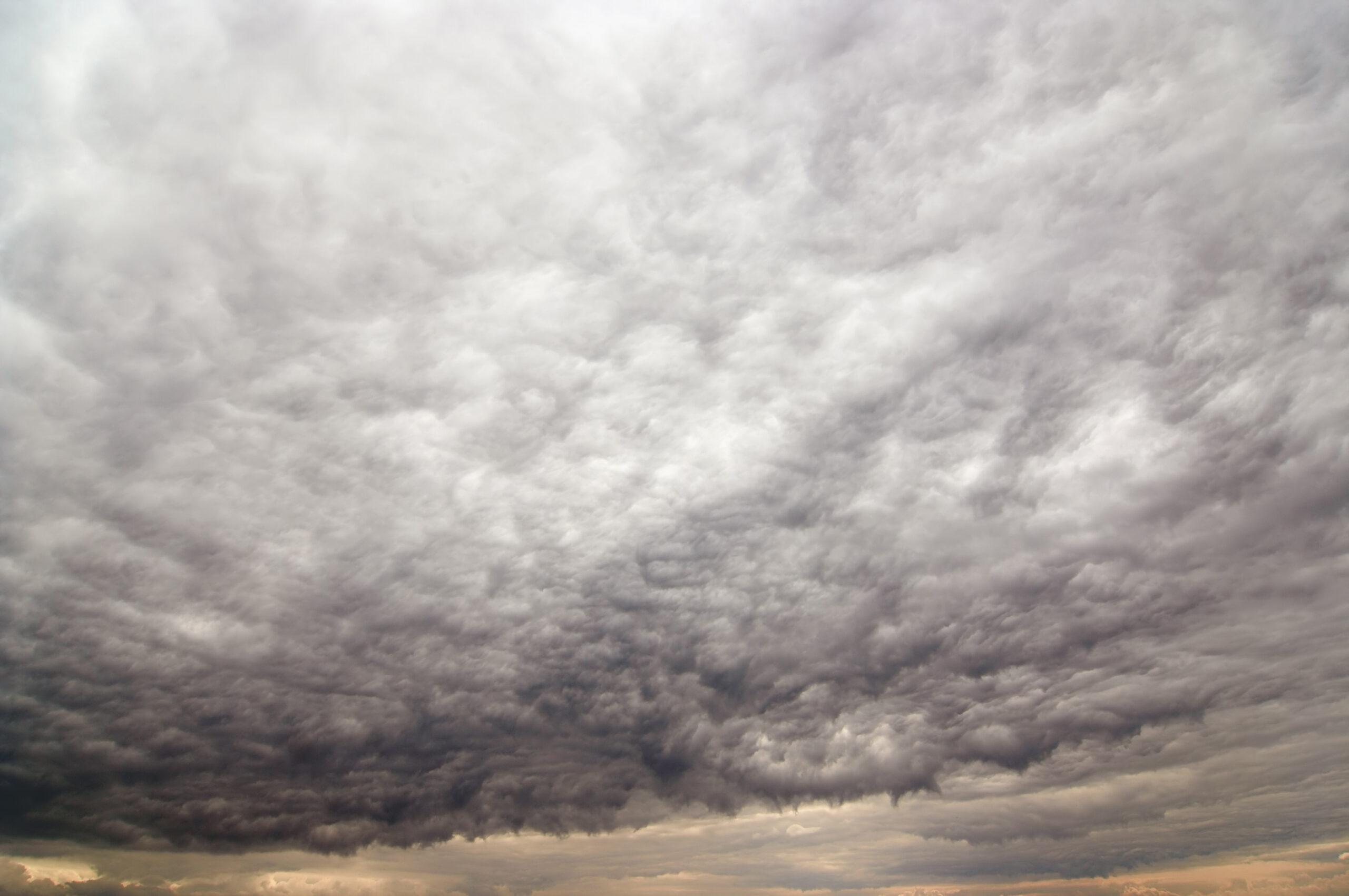 Bizarre storm clouds